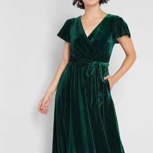 Modcloth Green Velvet Timeless Embrace Midi Dress